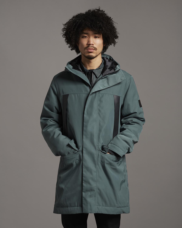 Удлинённая куртка с капюшоном